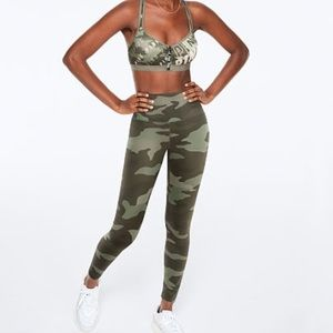 VS PINK Ultimate High Waist Legging Camo